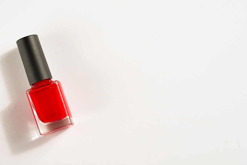 roter nagellack