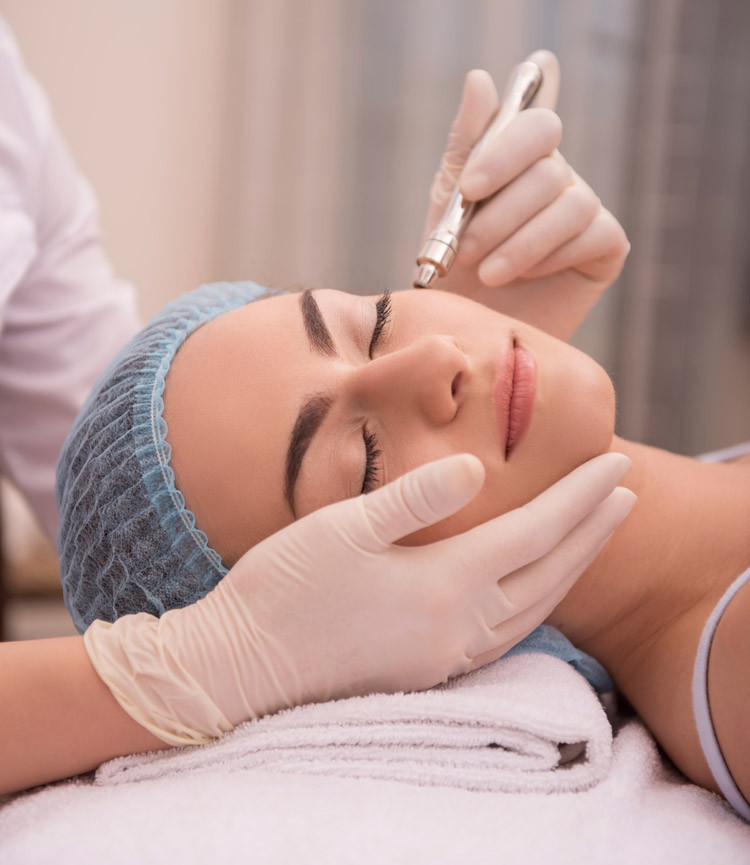 Behandlung bei der Kosmetikerin