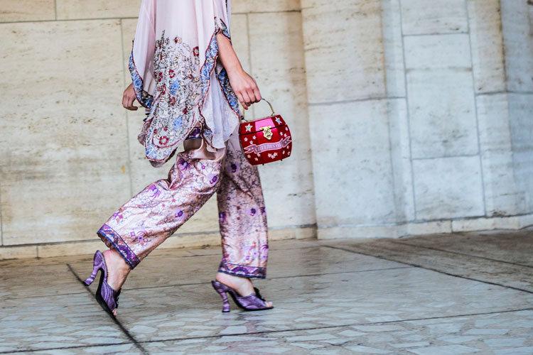 Mini-Bag in pink auf der Fashionweek