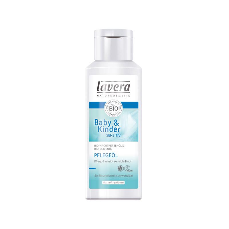 Reinigt nicht nur Babys Haut ganz sanft, sondern auch die von Mami: das Reinigungsöl von der Naturkosmetikmarke Lavera. Ca. 5 Euro, über dm