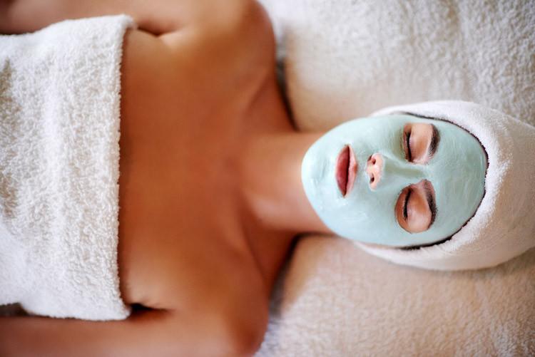 Grüne Tonerde-Maske