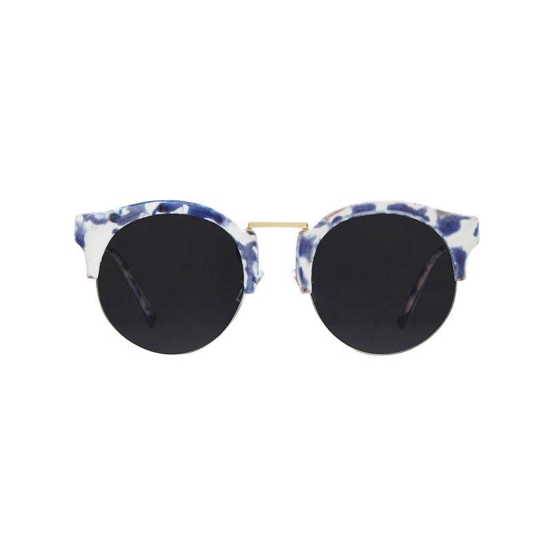 Sonnenbrille in blau und weiß von Hot List