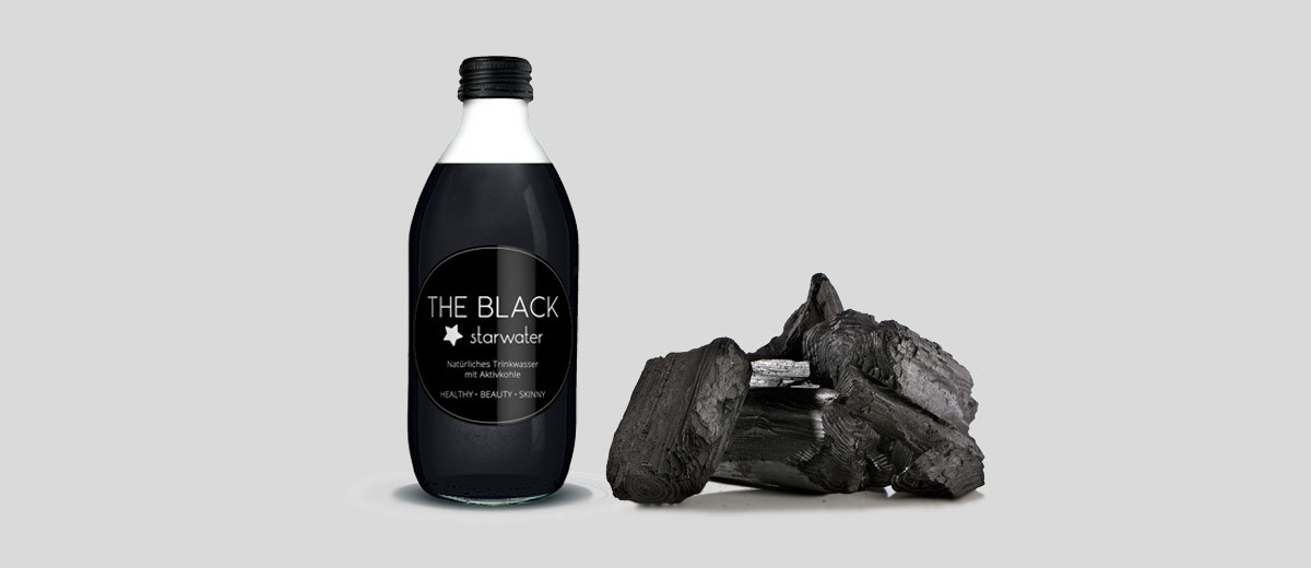 aktivkohle schwarz ist das neue gr n beautypunk. Black Bedroom Furniture Sets. Home Design Ideas