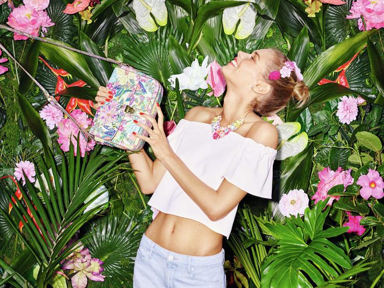 Accessoires mit Blumenmuster