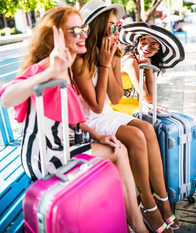 reisen freundinnen koffer