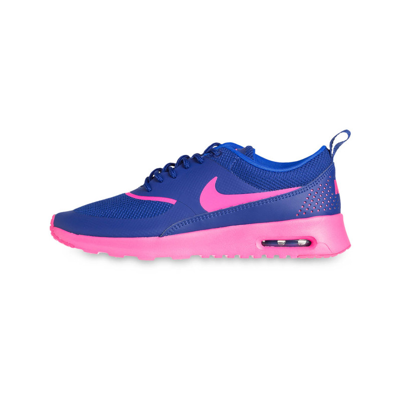 Blaue Sneaker von Nike