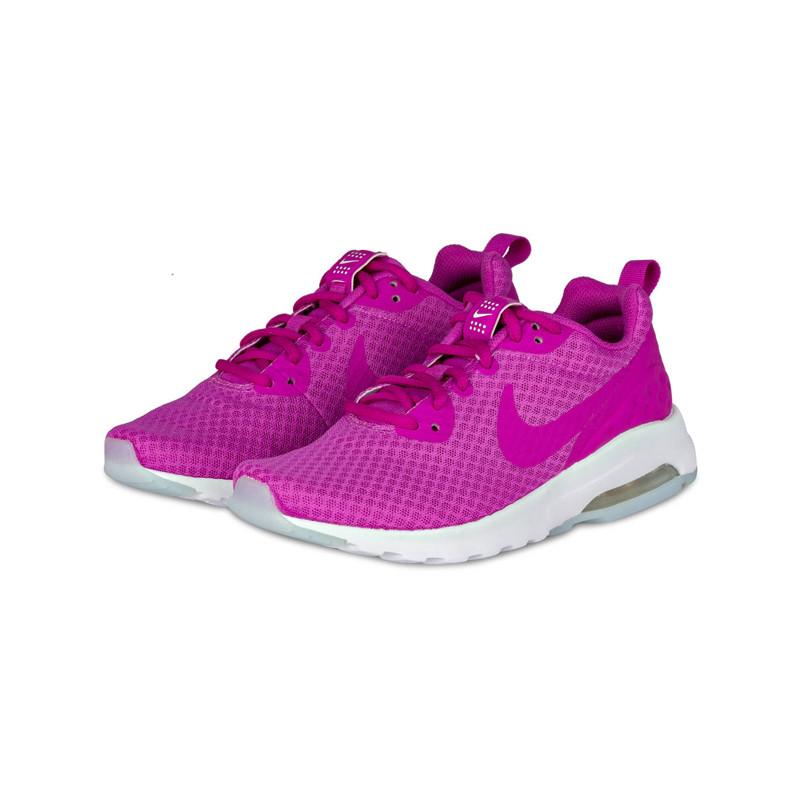 Sneaker von Nike in pink