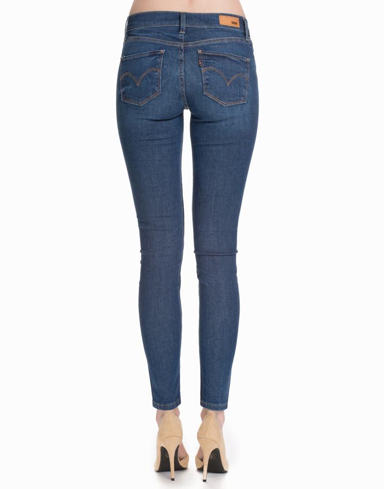 Blaue Jeans von Levis