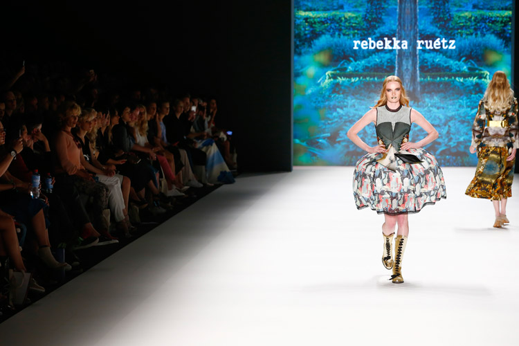 rebekka ruetz funkart fashion-week