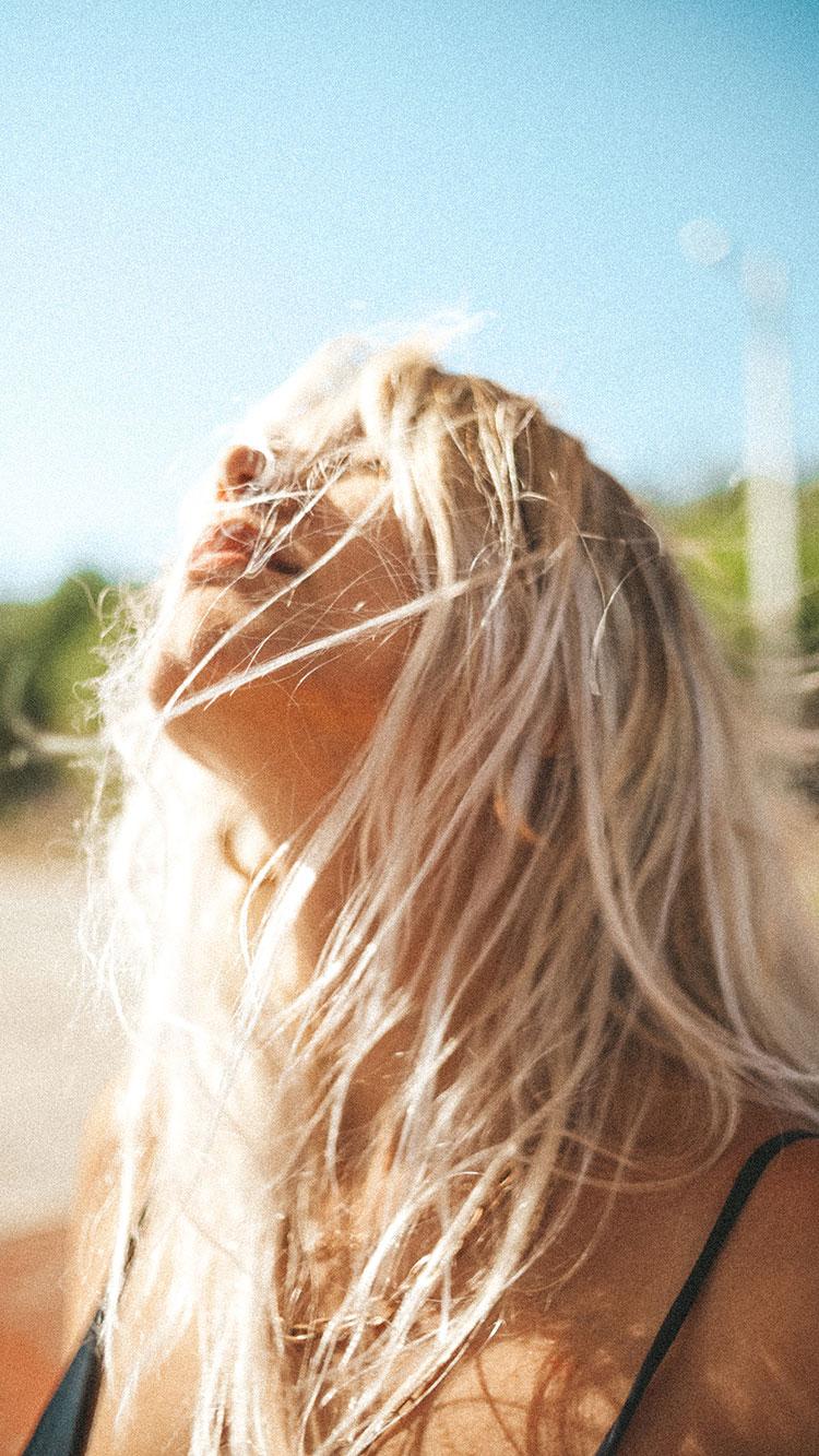 blonde haare frau