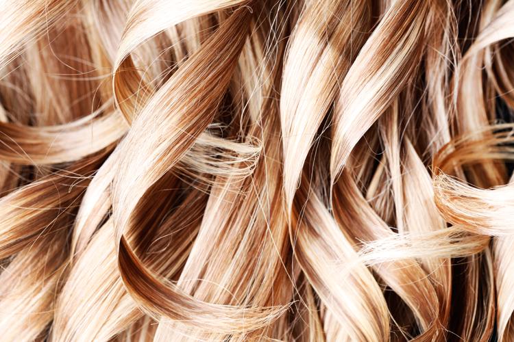 wie kann ich haare aufhellen haare heller machen eine anleitung um haare heller zu machen. Black Bedroom Furniture Sets. Home Design Ideas
