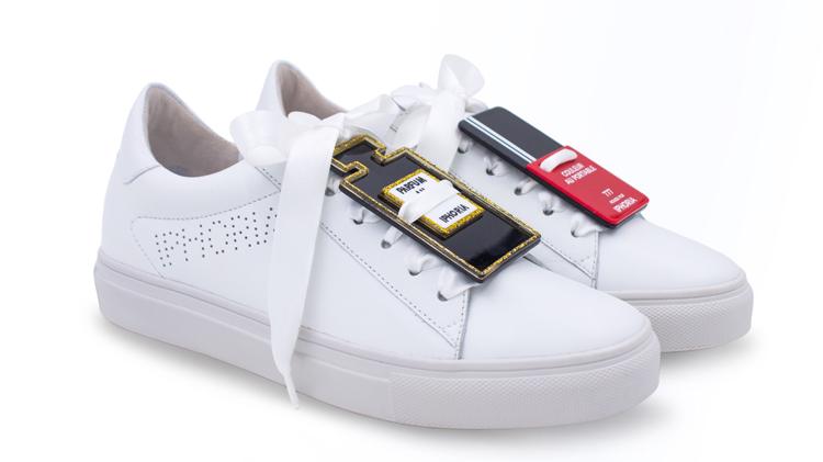DIESE Trend Sneaker mit XXL Schleife müssen wir haben!