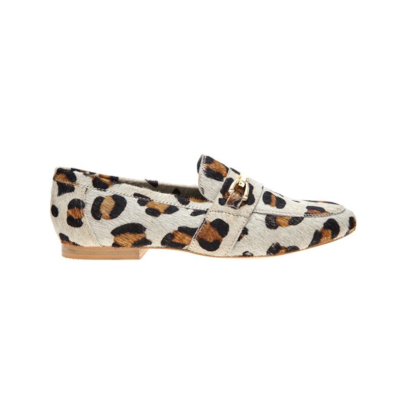 Schuhe mit Leo-Muster