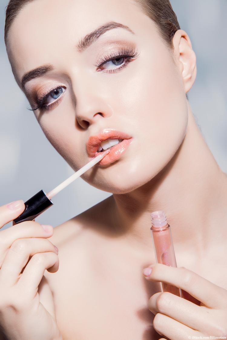 beauty-trend-lipgloss-nude