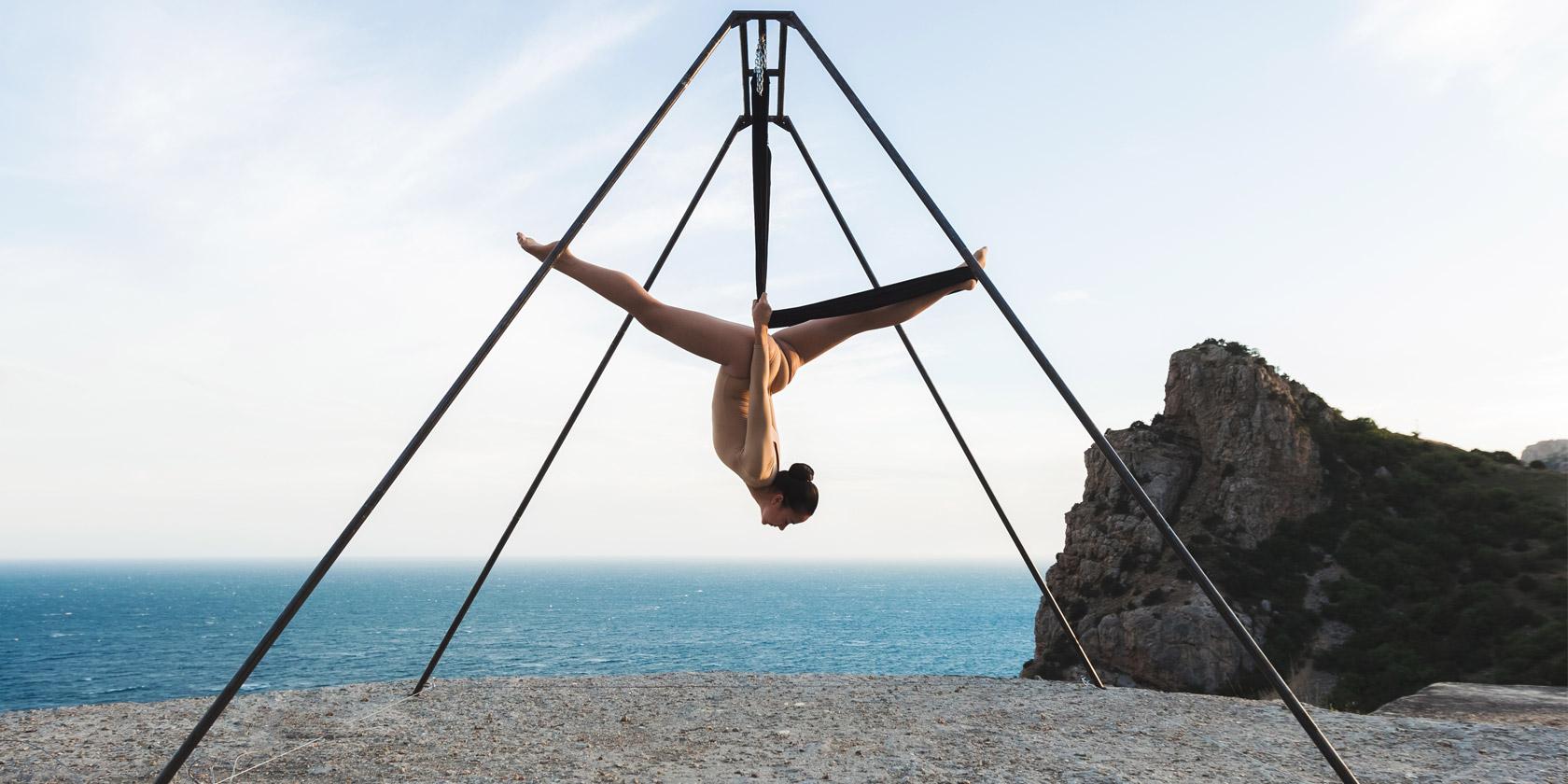 Der Neue Trendsport Aerial Yoga