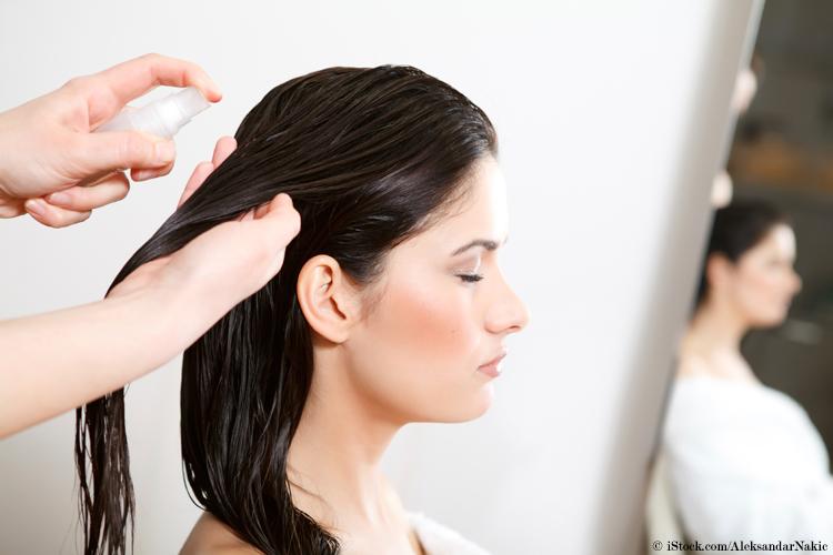 hitzeschutzspray-haarpflege-haare-foehnen