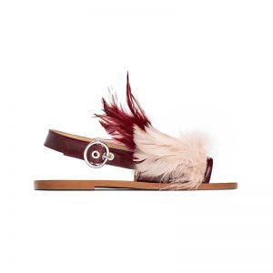 Sandale mit Federn