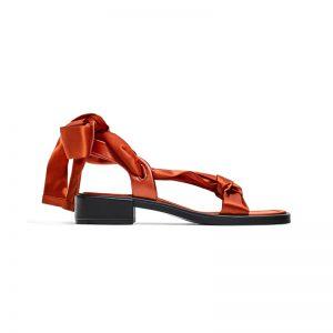 Sandale mit Satin-Bändern
