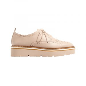 Brogues in Beige