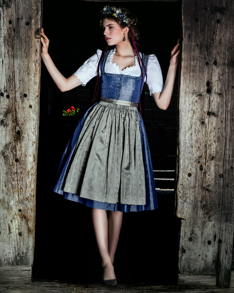 oktoberfest 2017 welche schuhe zum dirndl beautypunk. Black Bedroom Furniture Sets. Home Design Ideas