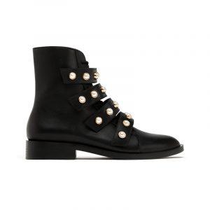 Boots mit Perlen