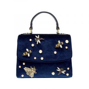 Blaue Tasche mit Perlen