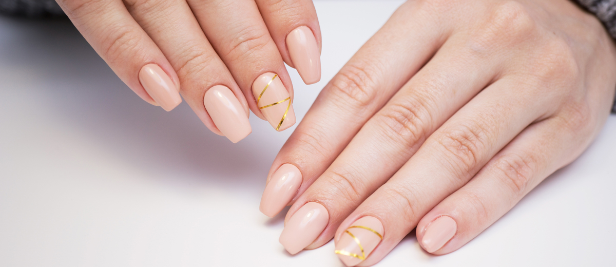 Dezentes Nageldesign Minimal Manicure Beautypunk