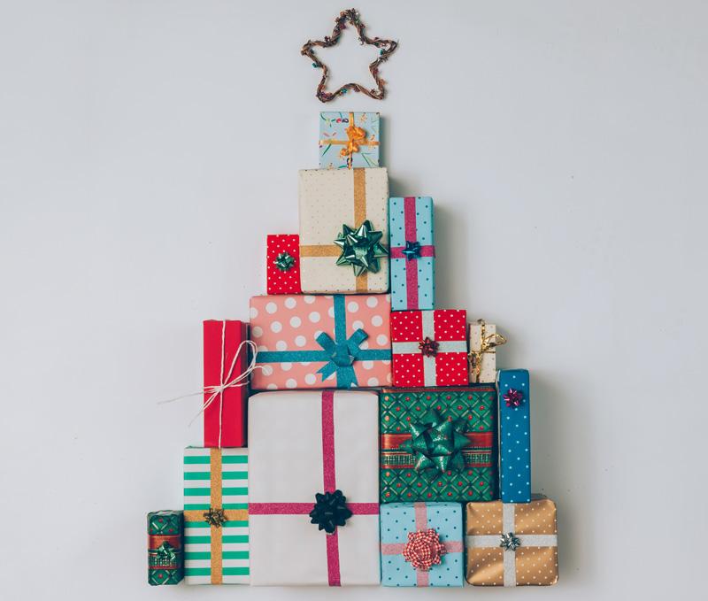 Weihnachtsbaum aus Geschenken
