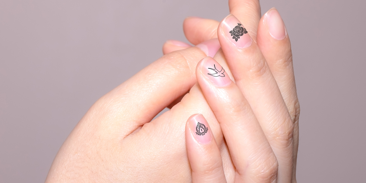 fingernail tattoo nageltattoo