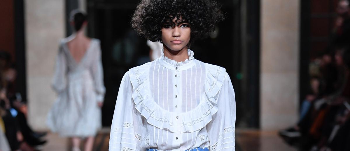 Weiße Trend-Blusen