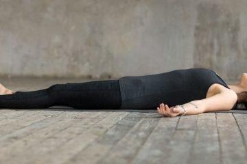 yoga fuer besseren schlaf entspannung