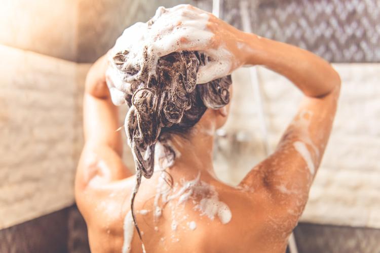 haare waschen anti frizz