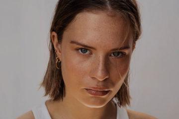 portrait einer junge frau