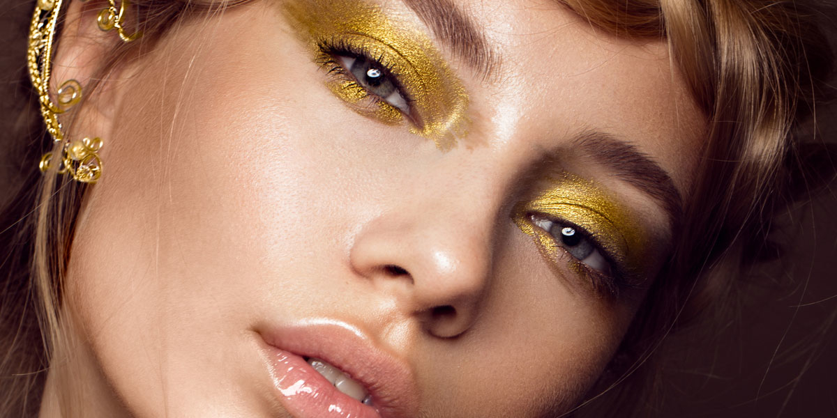 goldener eyeliner