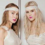 zwei blonde frauen ohne gelbstich in den haaren