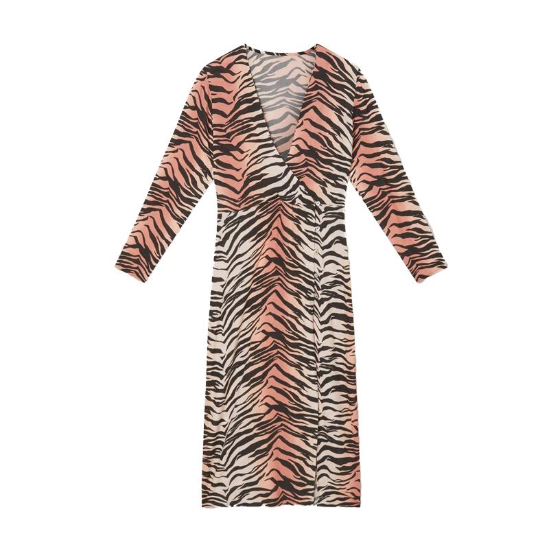 produktabbildung eines langes kleides mit tiger muster von der marke miss selfridge