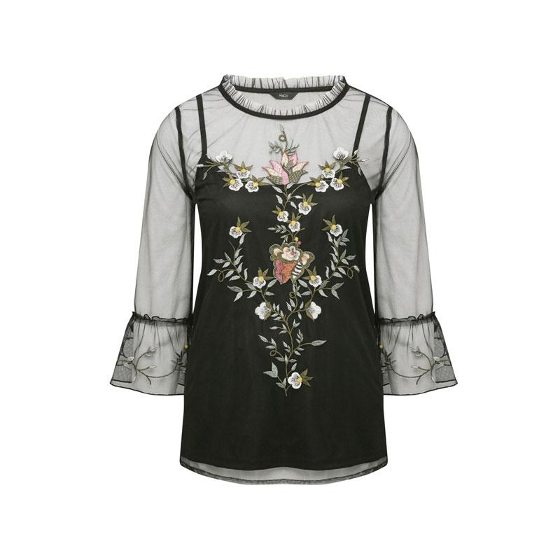 produktabbildung einer bluse mit transparenten ärmeln und stickereien von m&co