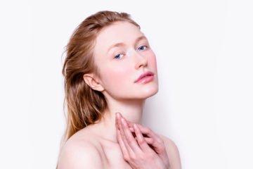 schöne frau mit no-make-up-look