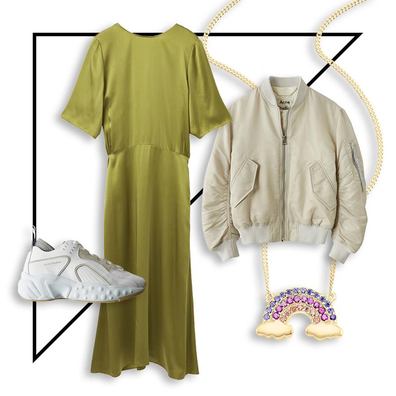 collage mit einem grünen seiden-kleid, weißen sneakern, einer bomberjacke und einer kette