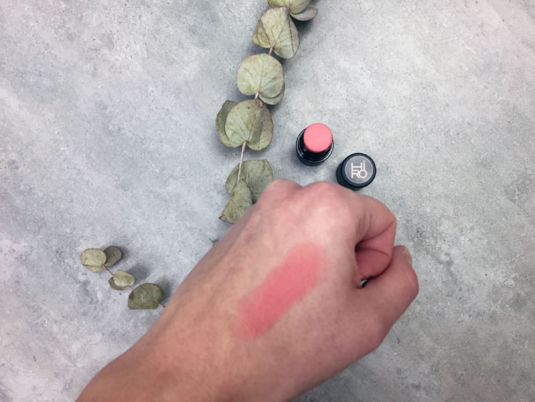 multistick von hiro in der farbe backstage