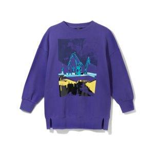 lilafarbenes sweatshirt mit buntem kunst-print