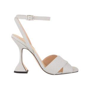 produktbild weiße sandale mit kunstvollem absatz