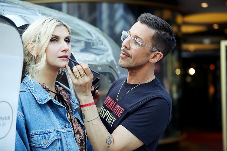 Make-up-Artist von Dr. Hauschka