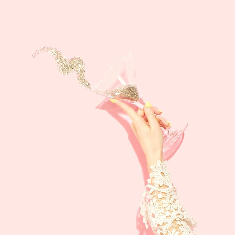 glas mit glitzer