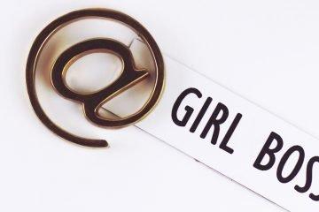 aufschrift girl boss