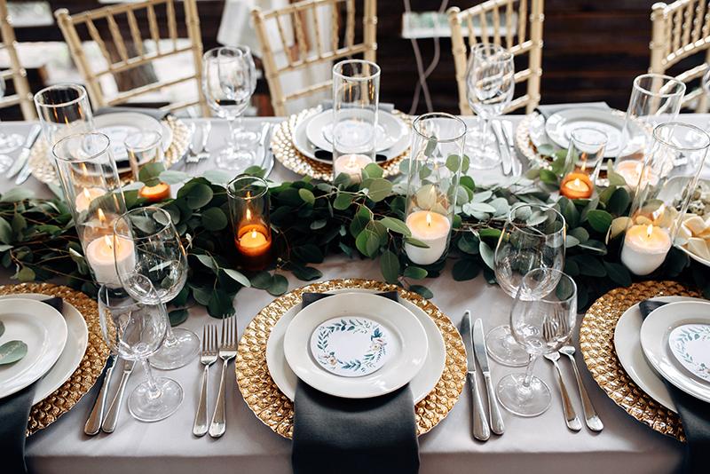 elegant dekorierter tisch