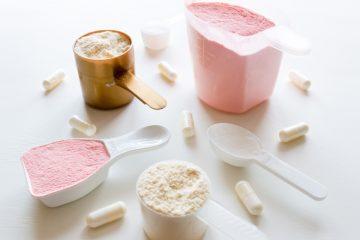 nahrungsergänzungsmittel auf tisch liegend