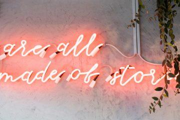 leuchtschild mit slogan