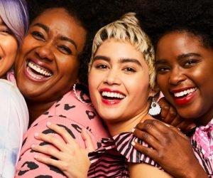 Benefit verschiedene Frauen tragen Boing Cakeless Concealer