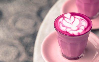 Pink Latte in rosaner Tasse